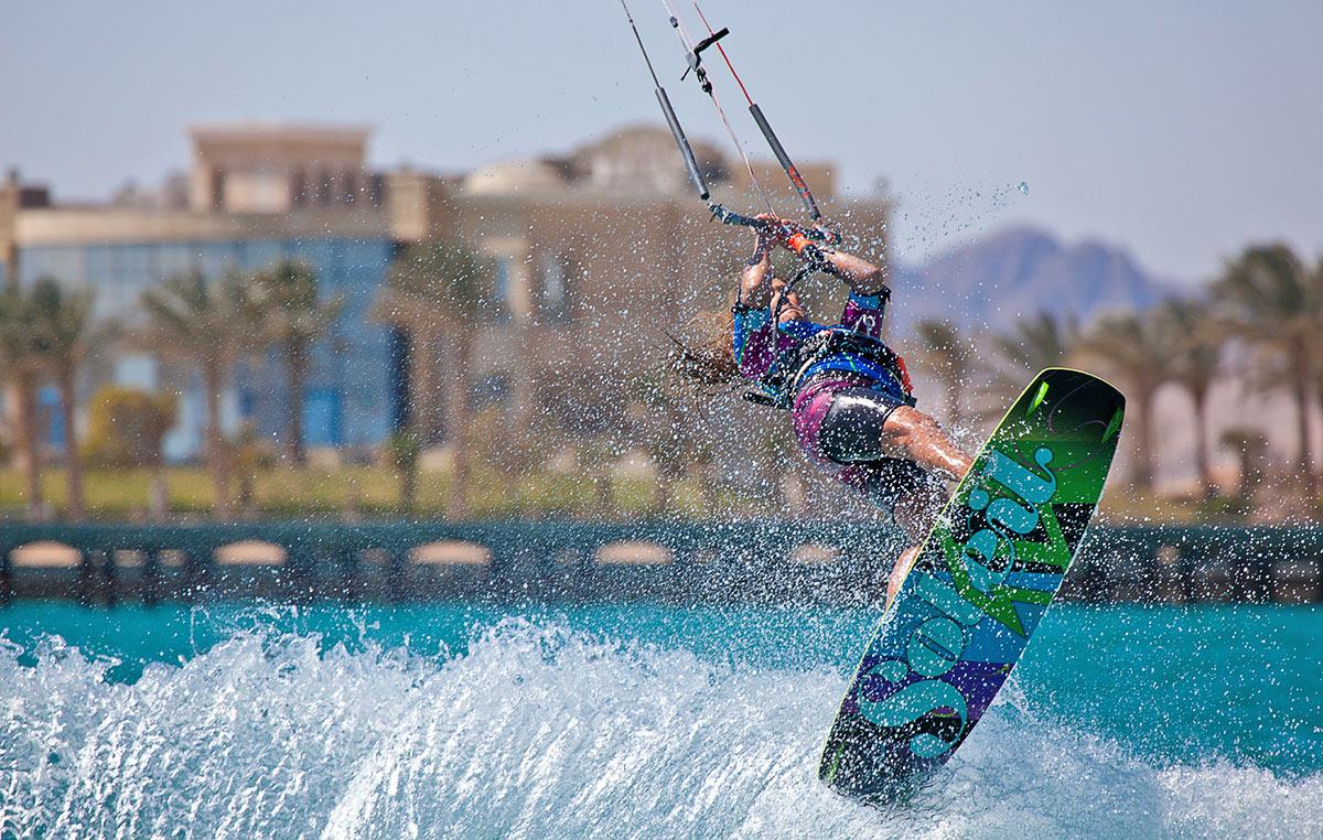 Kitesurf Holidays for Beginners - KiteWorldWide