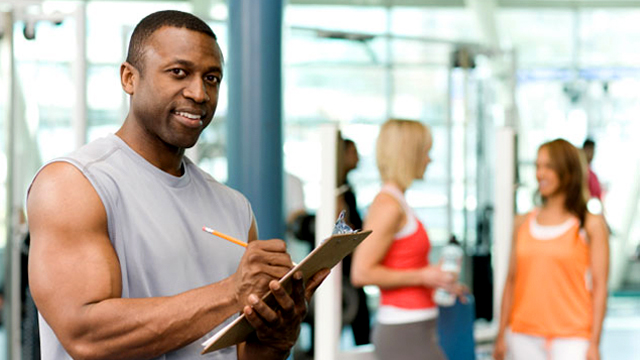 how to know if your personal trainer likes you