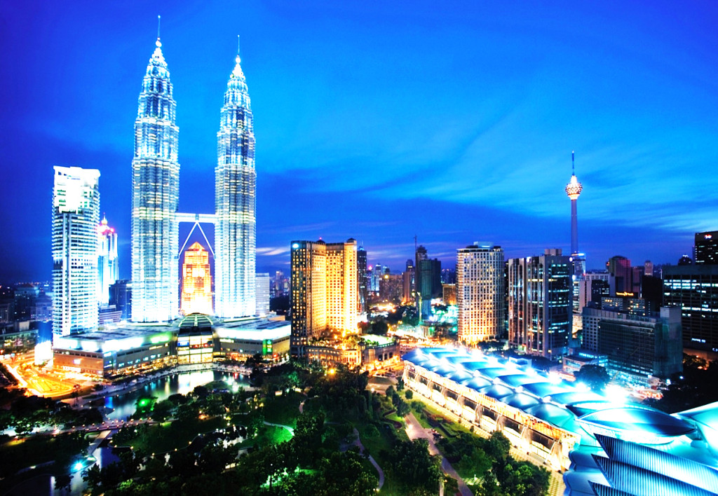 how malaysians can travel to europe European union (eu) nationals don citizens of many eu countries can visit italy to obtain a schengen visa, you must hold a passport or travel document.