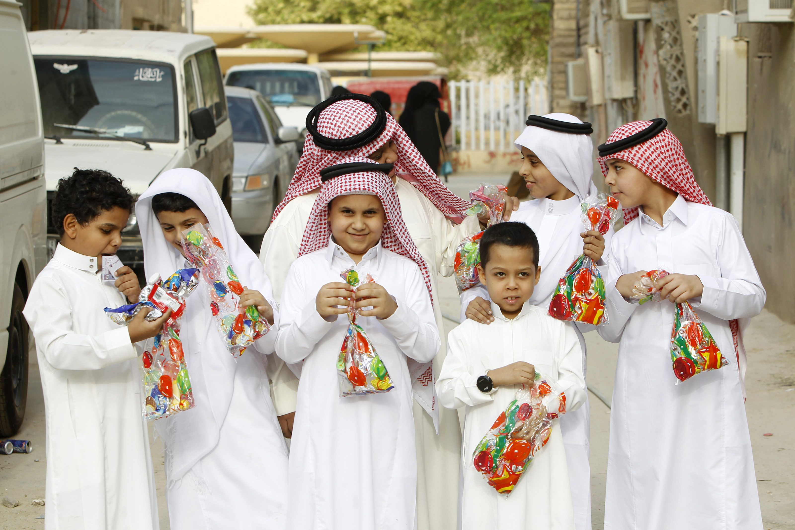 Beautiful Saudi Arabia Eid Al-Fitr Food - kids  Pic_74276 .jpg