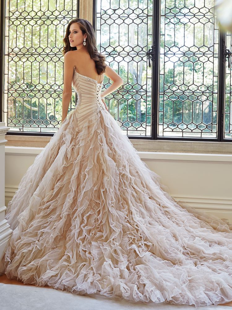 11 timeless wedding gowns that will never go out of style