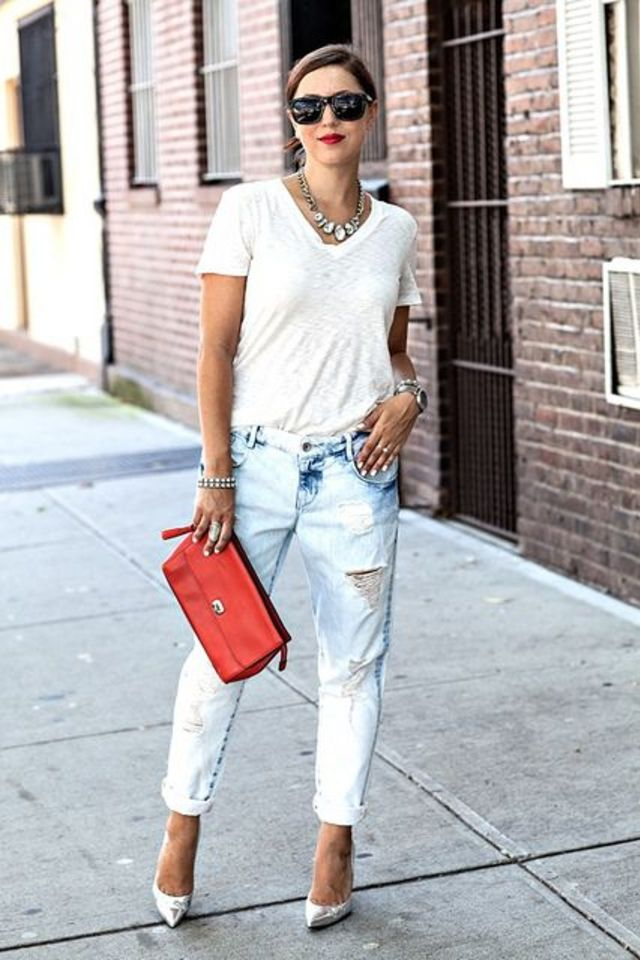 how to wear a white t shirt