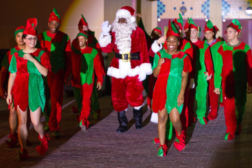 santa claus middle eastern singles Middle east & africa north america mexico usa canada napaiiri: the artic circle rovaniemi napaiiri is also the site of santa claus village.