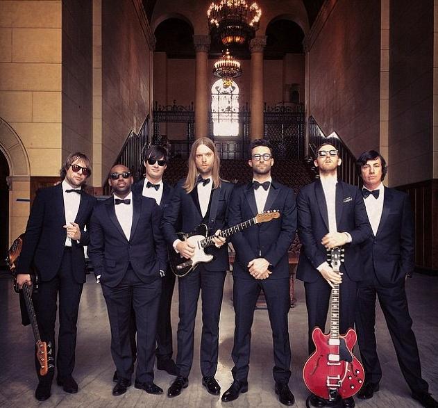 For The Record: Maroon 5 Crash Weddings In 'Sugar