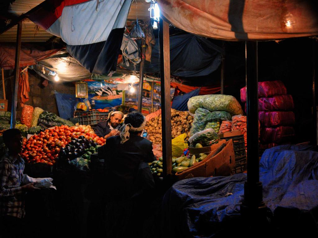 Night market (Rod Waddington/flickr)