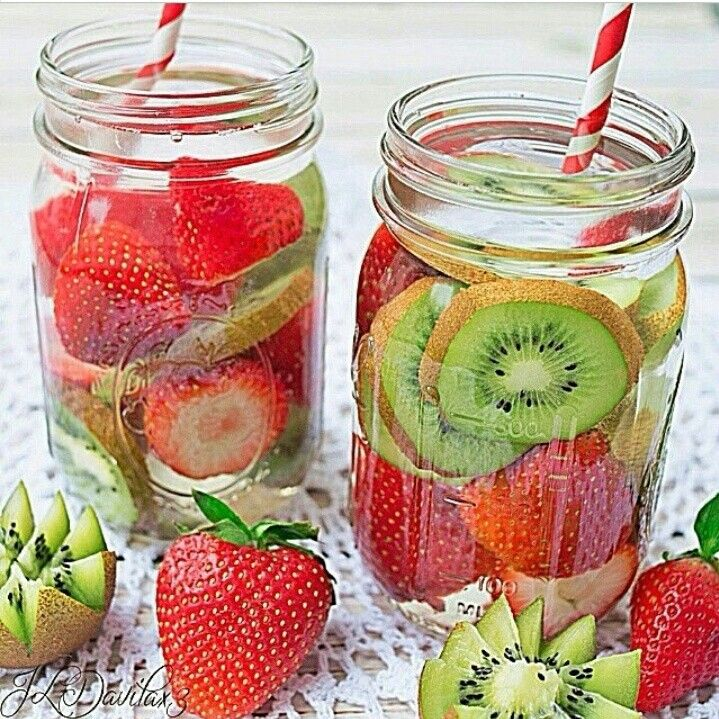 """Detox water is all the rage right now – especially when you can easily make them at home yourself. Why bother buying the cheap """"vitamin waters"""" you see in store? They contain the unknown mystery ingredient labelled """"natural flavor,"""" which could be a variety of things. Homemade detox waters."""