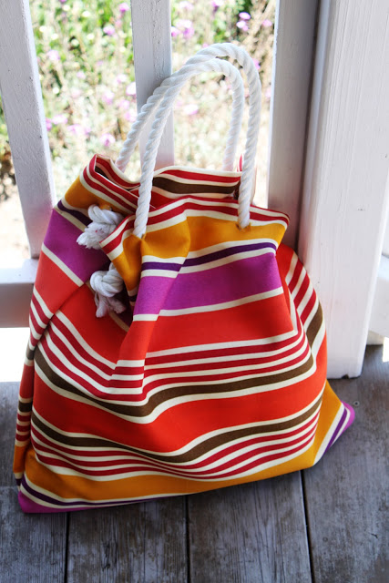 4c2311be5414 beach bag done and shoe flowers 045 …