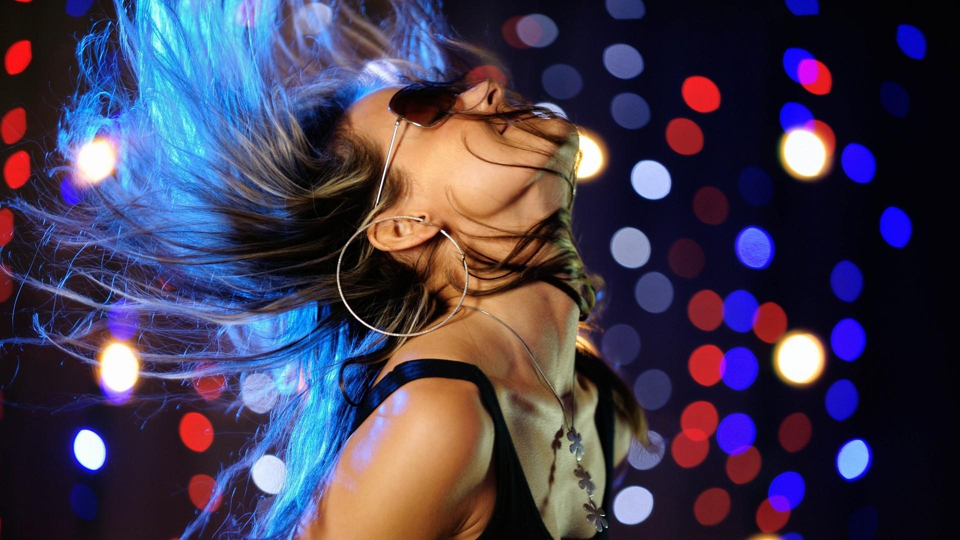 Ролик танцы девушек 5 фотография