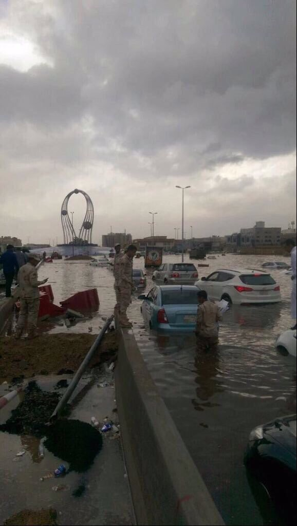 essay about jeddah floods By sarah dadouch jeddah,  other cities i'm just talking about jeddah see related photo essay at:    looking back at deadly 1996 saguenay floods.