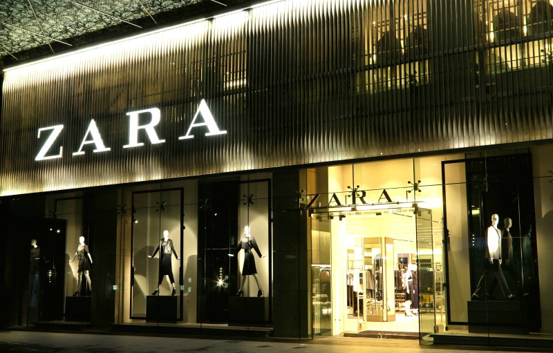 zara fires employees for banning veiled woman from. Black Bedroom Furniture Sets. Home Design Ideas
