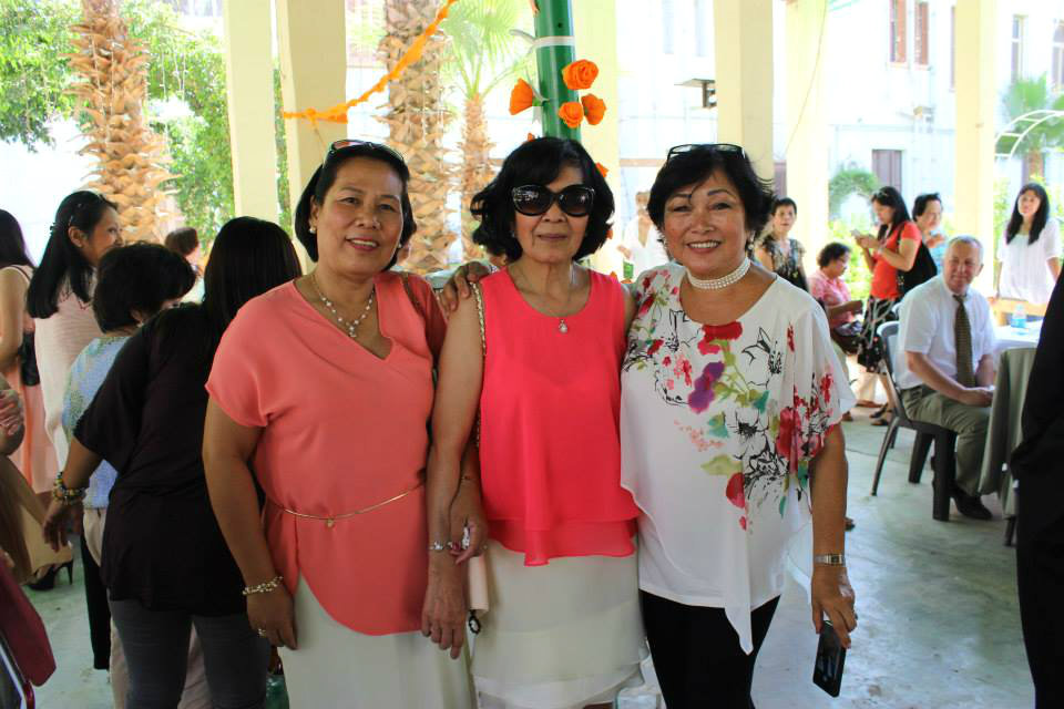 Filipinos Enjoying The Lovely Atmosphere At Holy Family Church