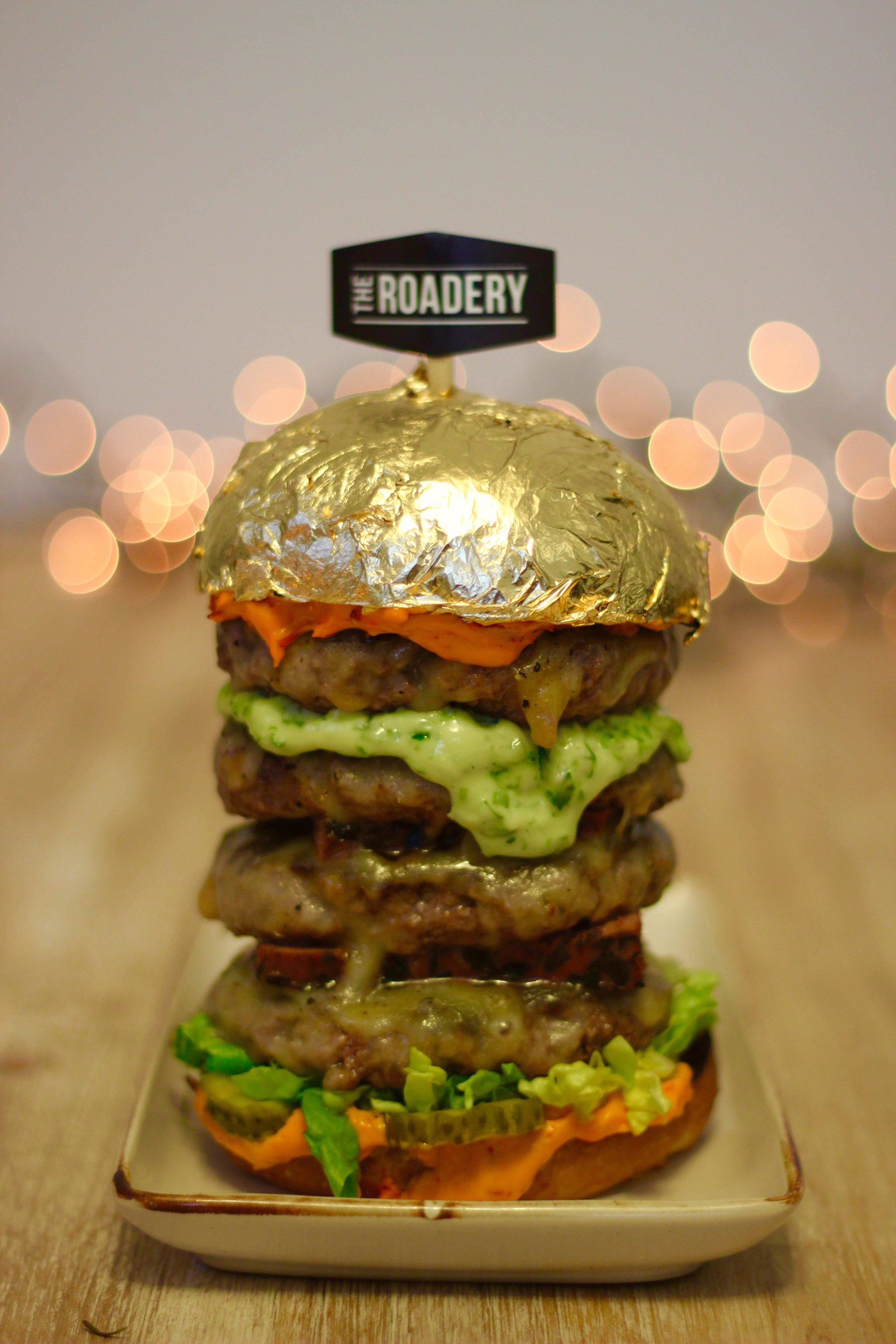 meat dubai 39 s new luxury burger burg khalifa. Black Bedroom Furniture Sets. Home Design Ideas