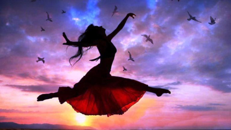 ws_Woman_Free_Flying_Sunset_Birds_1920x1080