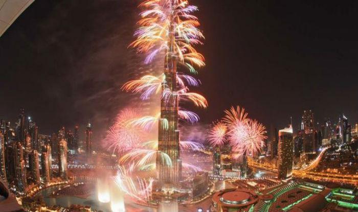 Burj-Khalifa-Fireworks10