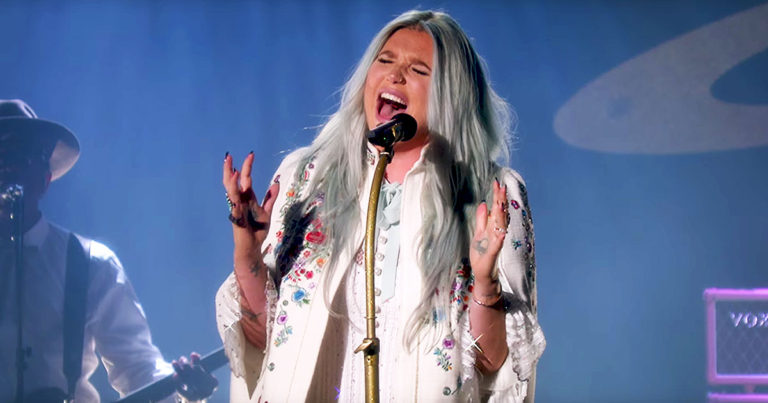 kesha-praying-live-perf