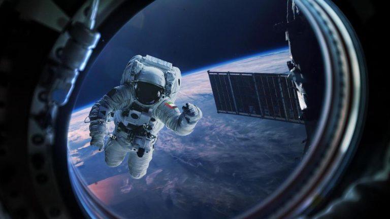 na07-astronaut