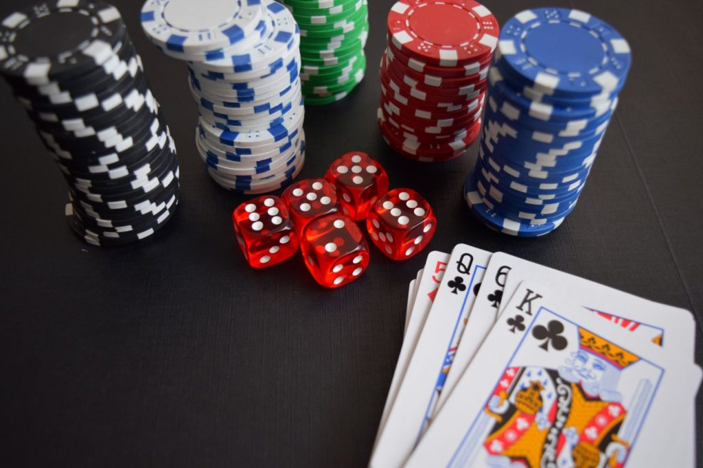 Top 6 Reasons Why You Must Play Poker Online - Scoop Empire
