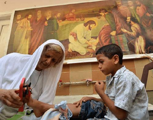 Cairos Mother Theresa serves children of Egypts slums